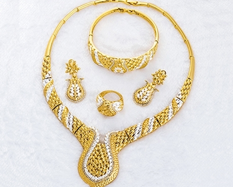 Picture for category Dubai Style- Bright Gold 4 PCS Sets