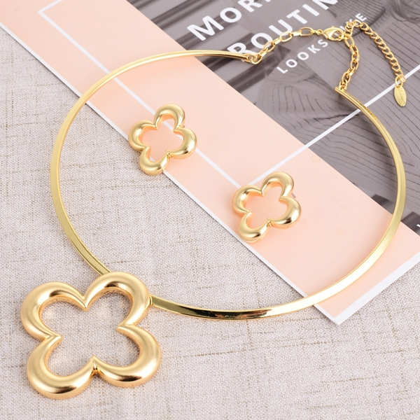 Picture of Wholesale Zinc Alloy Dubai Necklace and Earring Set with No-Risk Return