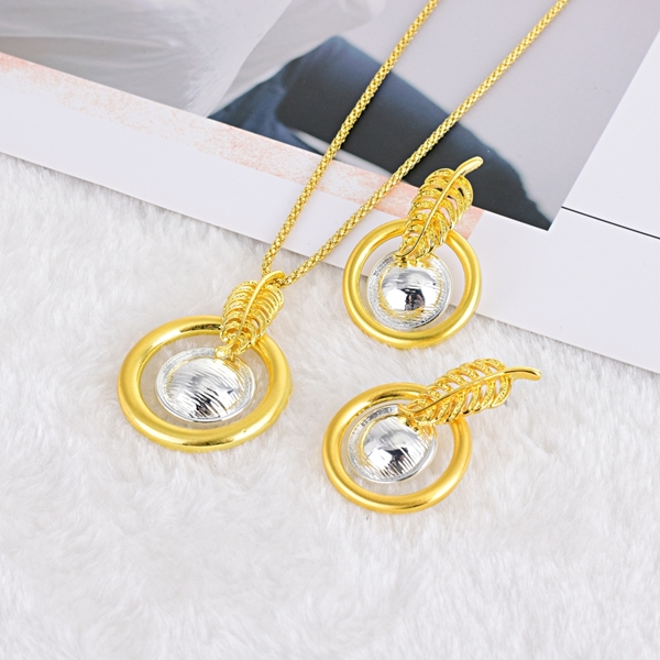 Picture of Nickel Free Gold Plated Zinc Alloy Necklace and Earring Set with Easy Return