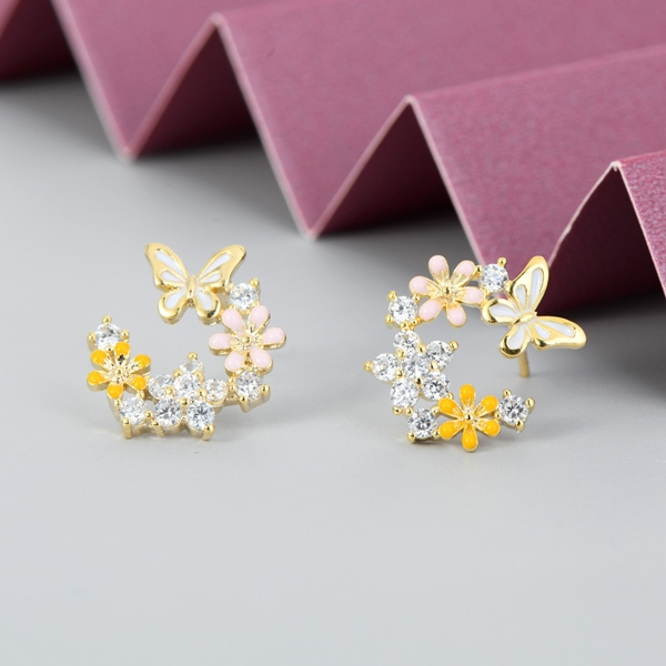 Picture of Filigree Small Copper or Brass Big Stud Earrings